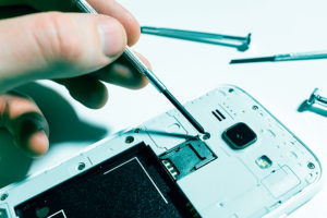 How to Loosen Tight Screws on Electronics